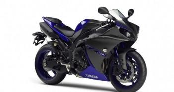 2014-Yamaha-YZF-R1-EU-Race-Blu-Studio-001-702x336